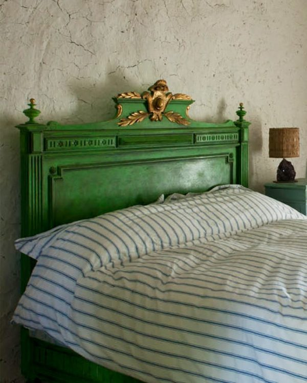Antibes-bed-bright
