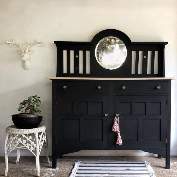 Black-country-sideboard