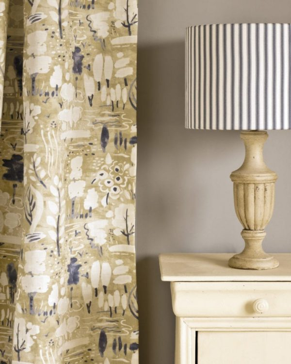 Cream-side-table-Dulcet-in-Versailles-curtain-Ticking-in-Old-Violet-lampshade