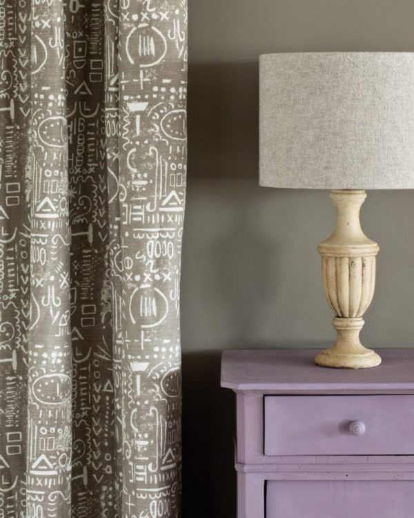 Emile-side-table-French-Linen-Wall-Paint-Tacit-in-French-Linen-curtain-Linen-Union-in-Old-White-French-Linen-lampshade