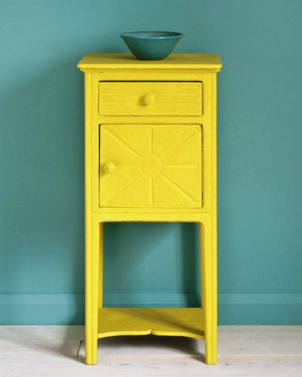 English-Yellow-side-table-Wall-Paint-in-Provence