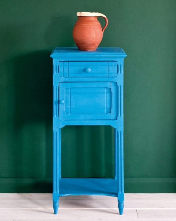 Giverny-side-table-Amsterdam-Green-Wall-Paint