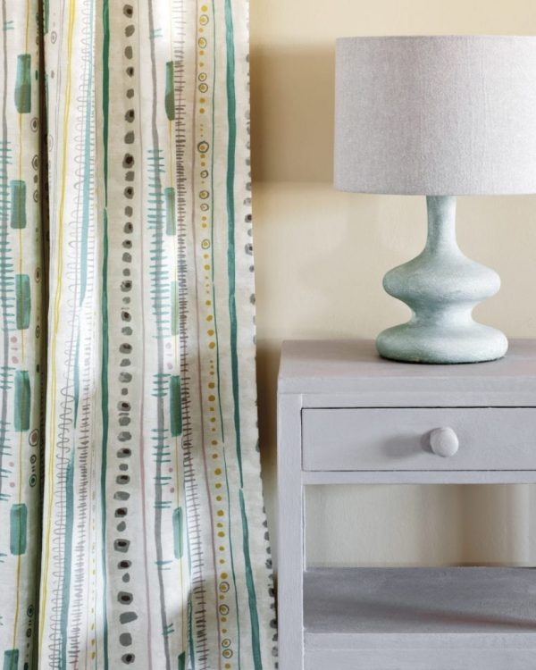 Paloma-side-table-Piano-in-Provence-curtain-Linen-Union-in-Paloma-Old-White-lampshade