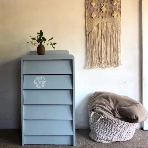 blue-mcm-drawers-with-lino