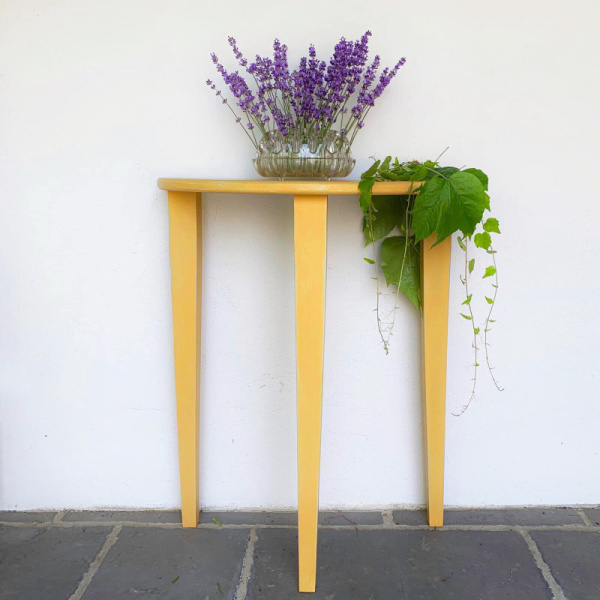 chens-table-yellow