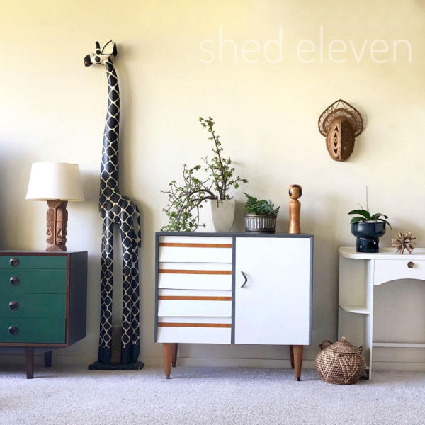 shed-eleven-whites-