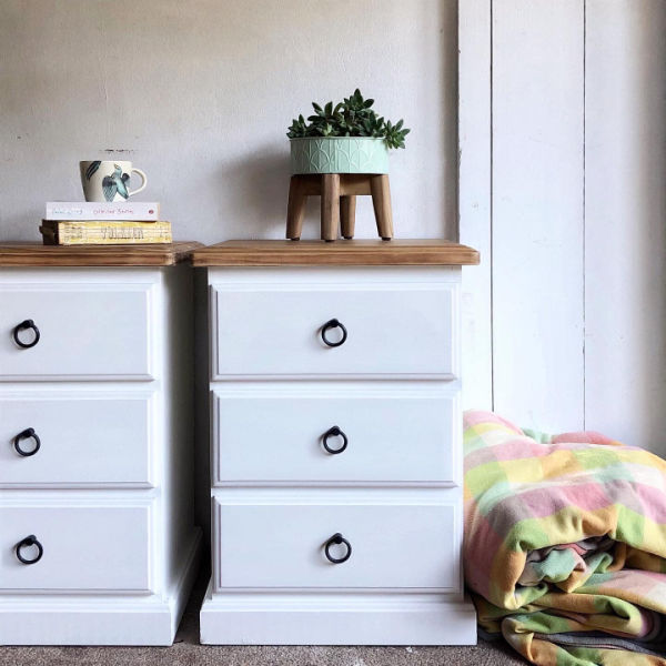 white-bedside-tables